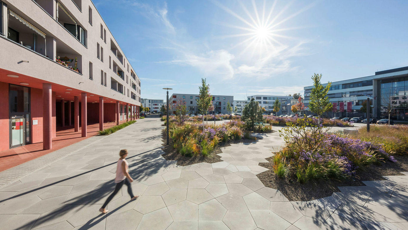 Neu ulm stadtteilplatz wiley s d referenzen for Gartengestaltung coesfeld